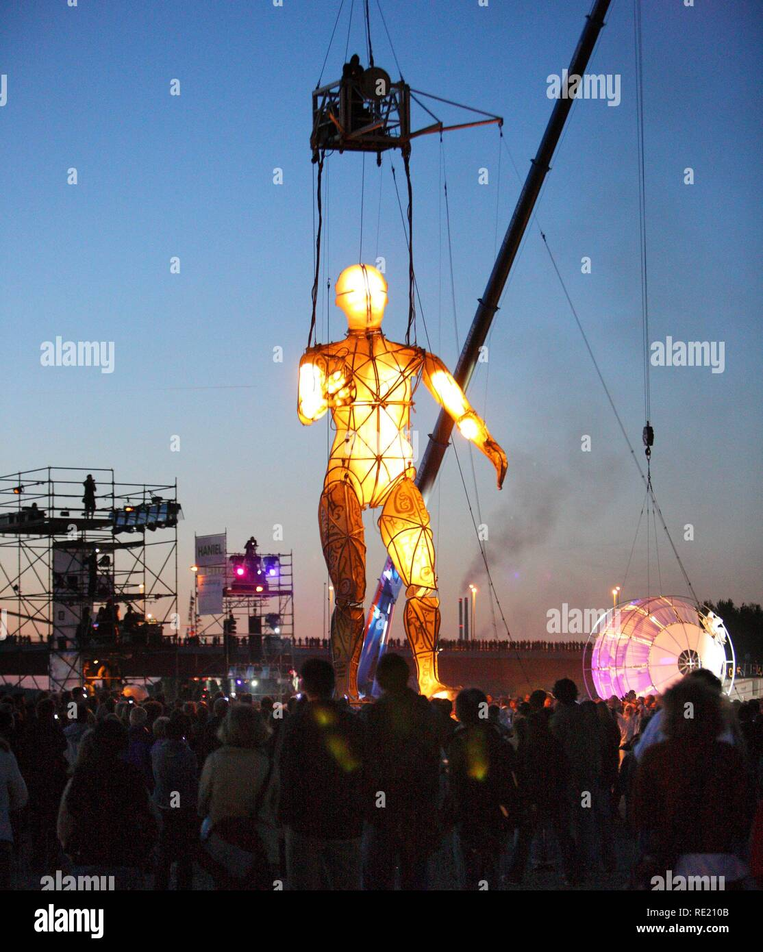 Global Rheingold, theatrical spectacle of the Spanish theatre group La Fura dels Baus, opening of the theatre festival Duisburg - Stock Image