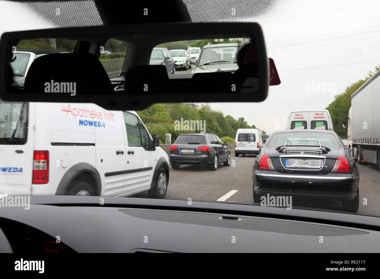Congestion during rush hour on the highway A40, so-called Ruhrschnellweg, Bochum, Ruhrgebiet region, North Rhine-Westphalia - Stock Image