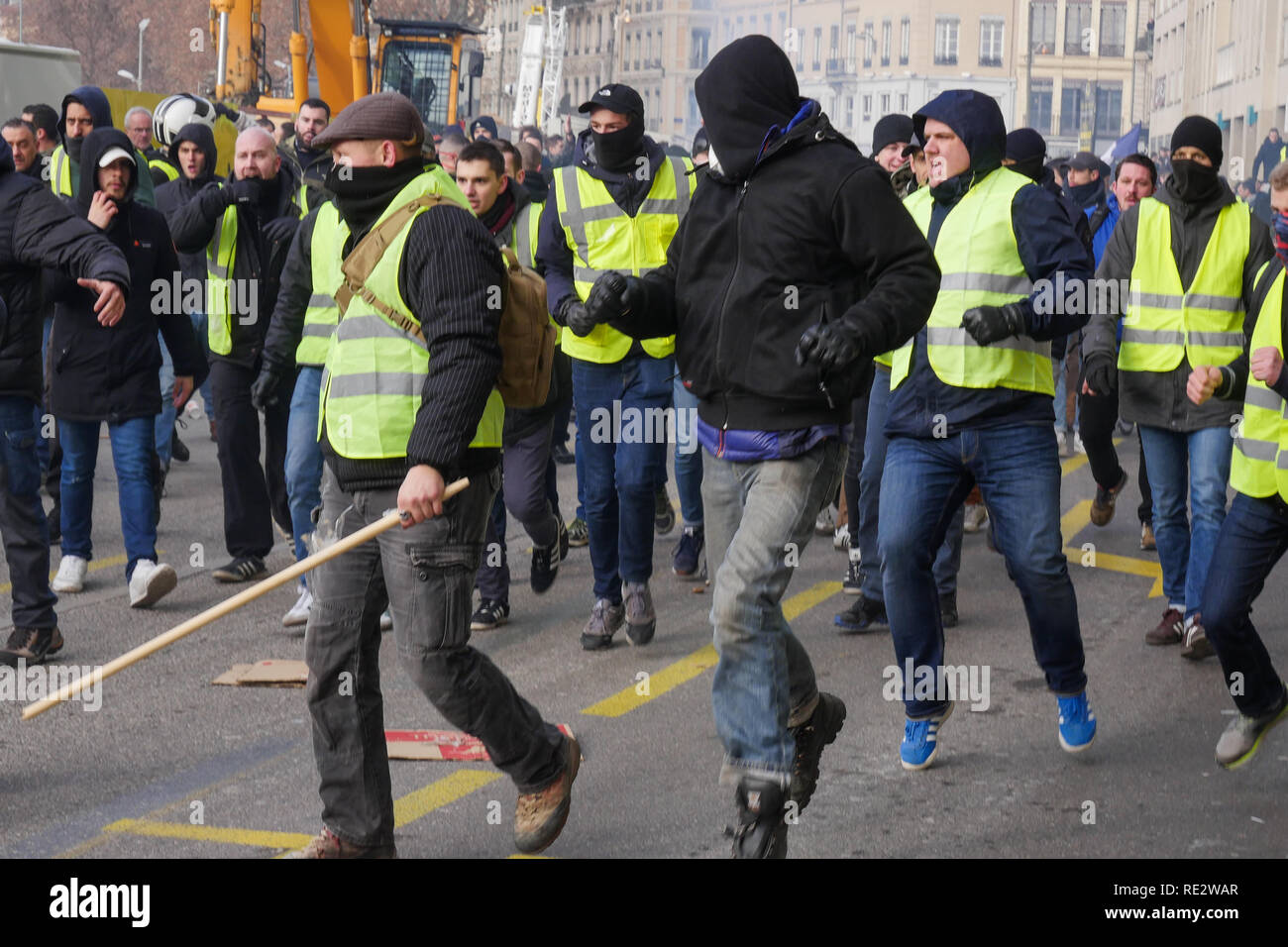 Lyon, France, January 19th 2019: Vioences occured between Far right activists and leftists as Yellow jackets take part to the 10th day of protest against french goverment reform projetct n Lyon (Central-Eastern France) on january 19, 2019. Credit Photo: Serge Mouraret/Alamy Live News - Stock Image