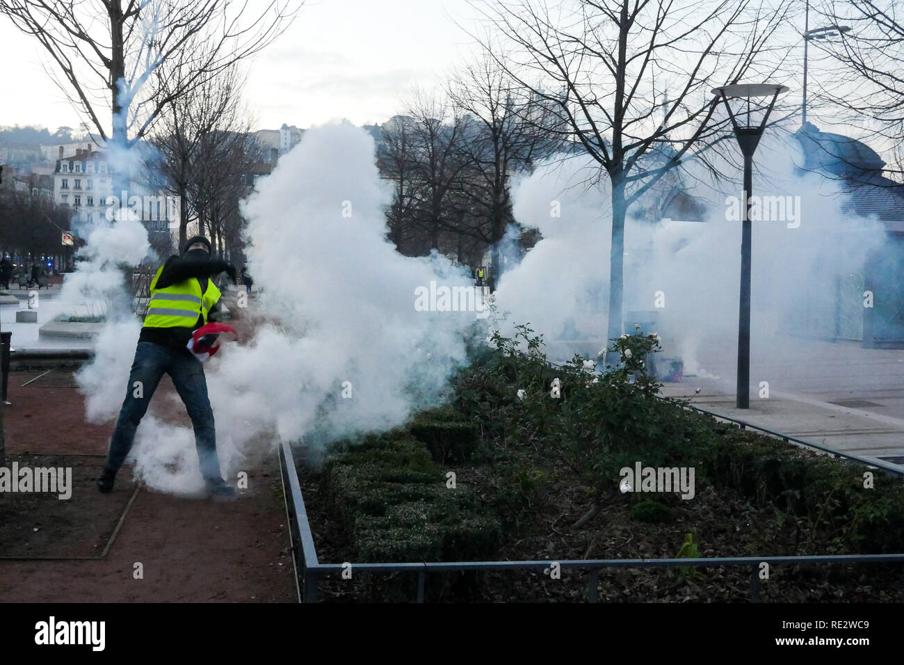 Lyon, France, January 19th 2019: Yellow jackets are seen in Lyon (Central-Eastern France) as they take part to the 10th day of protest against french goverment reform projetct. Credit Photo: Serge Mouraret/Alamy Live News - Stock Image