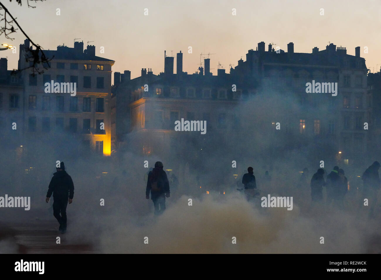 Lyon, France, January 19th 2019: Yellow jackets are seen in Lyon (Central-Eastern France) on january 19, 2019 evening as they take part to the 10th day of protest against french goverment reform projetct. Credit Photo: Serge Mouraret/Alamy Live News - Stock Image