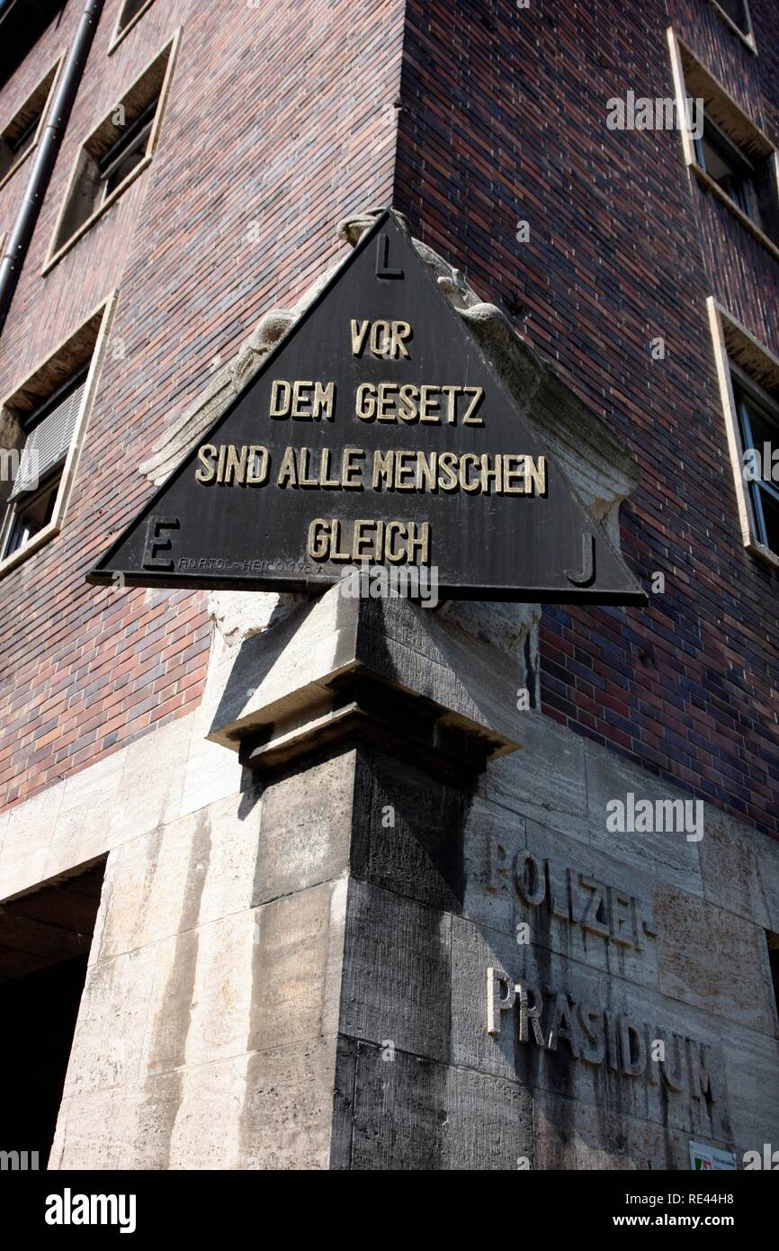 Writing tablet with the inscription 'Vor dem Gesetz sind alle Menschen gleich', 'Before the law, everyone is equal' at the - Stock Image
