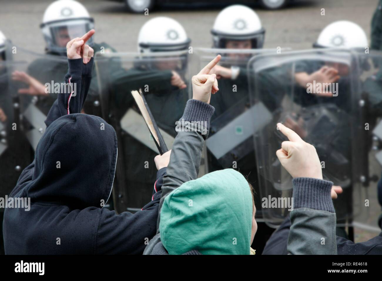 Young police officers learn to deal with violent demonstrators during an exercise, North Rhine-Westphalia - Stock Image
