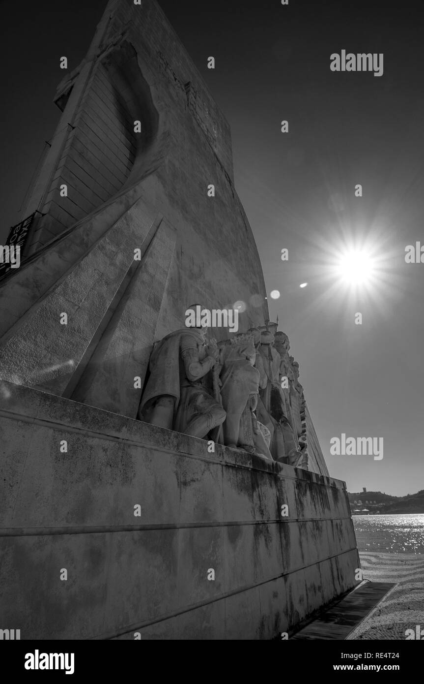 'Discovering the light' at Padrão dos descobrimentos, Lisbon (Belem), Portugal. Playing with the perspective and sun brightness - Stock Image