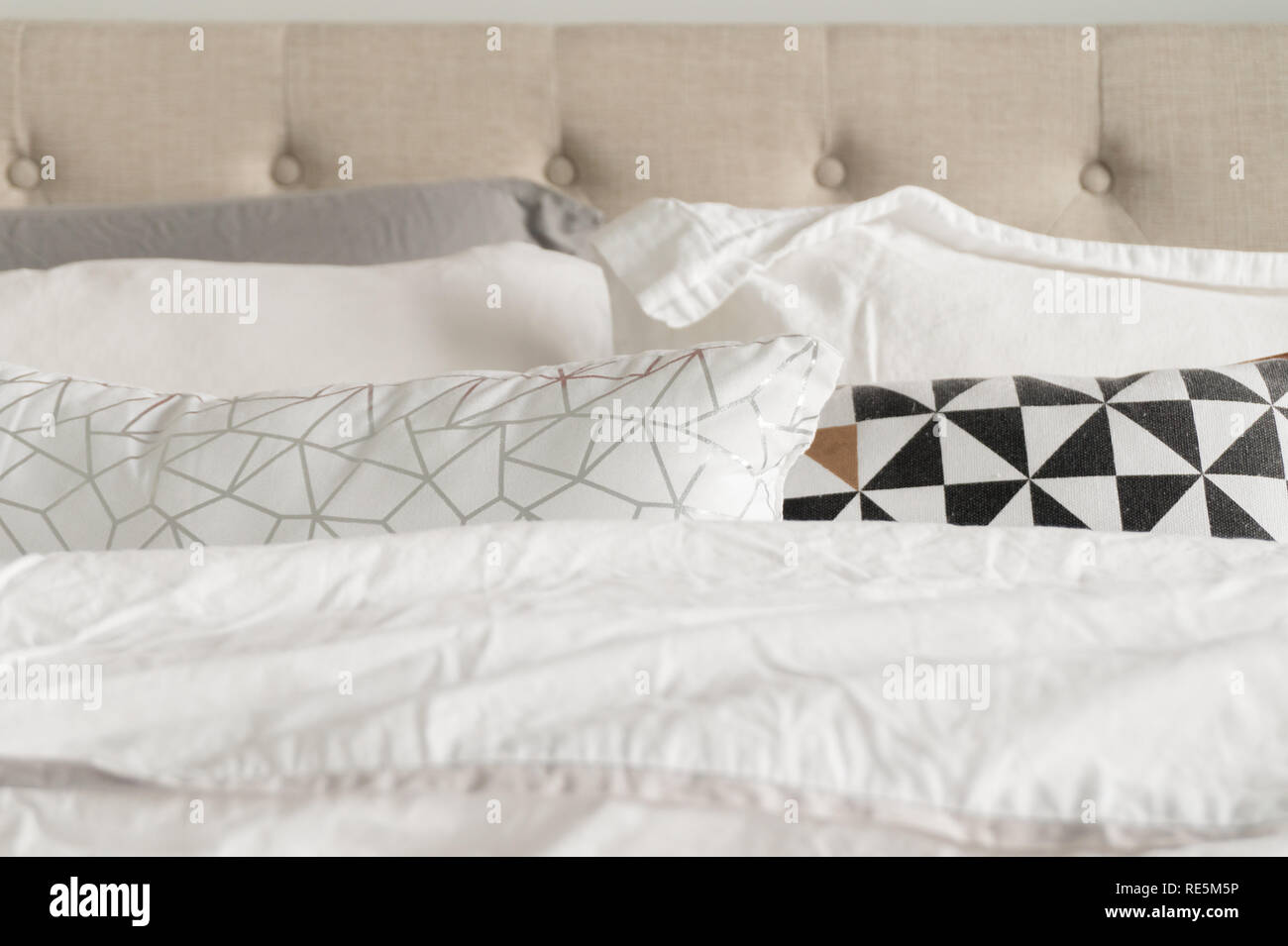 Black Headboard White Pillow High Resolution Stock Photography And Images Alamy