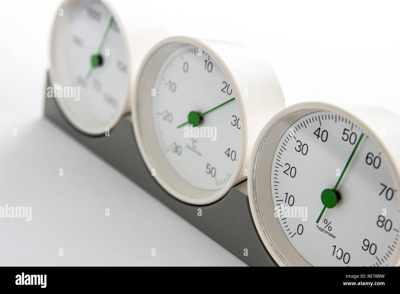 Objecta Vintage Barometer Thermometer Analog, Hygrometer auf Holzuntergrund