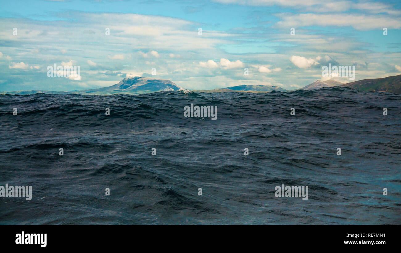Behind the Wave. Meenlaragh, Errigal, Muckish. - Stock Image