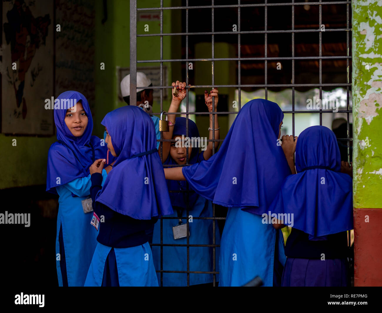 Muslim School Uniform Stock Photos & Muslim School Uniform
