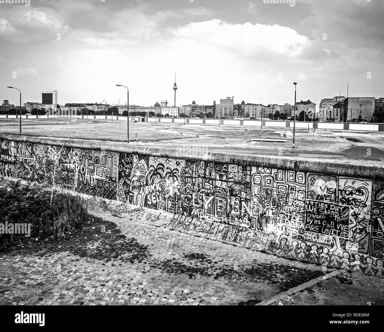 August 1986, Berlin wall graffitis at Potsdamer Platz square with view over Leipziger Platz square, death strip, West Berlin, Germany, Europe, - Stock Image