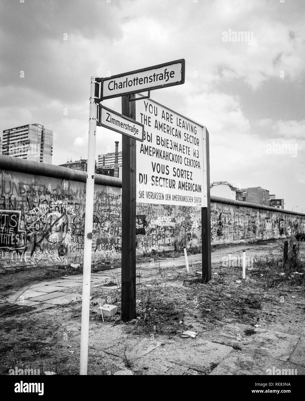 August 1986, leaving American sector warning sign, Zimmerstrasse street sign, Berlin Wall graffitis, Kreuzberg, West Berlin side, Germany, Europe, Stock Photo