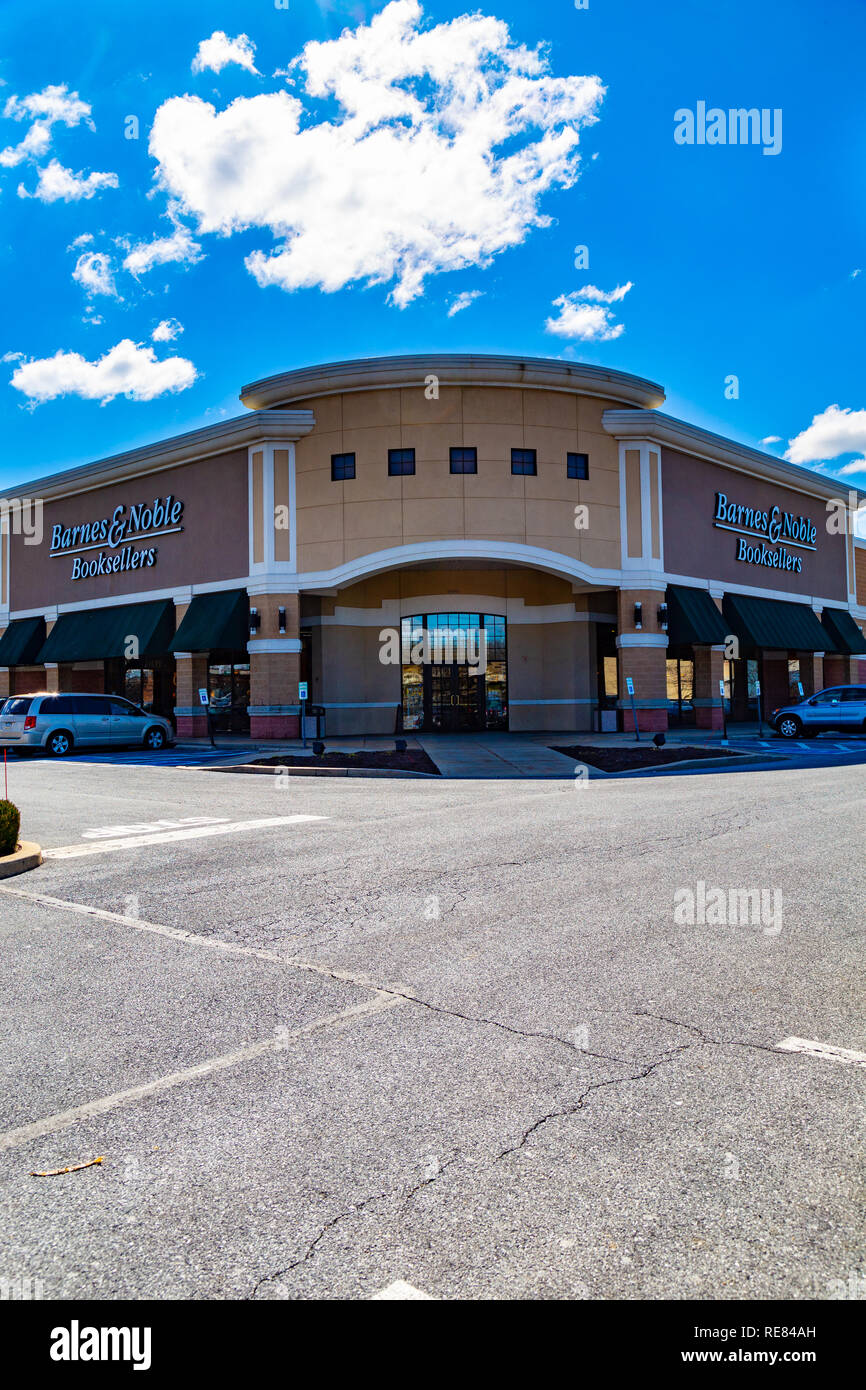 Barnes And Noble Shop Stock Photos & Barnes And Noble Shop