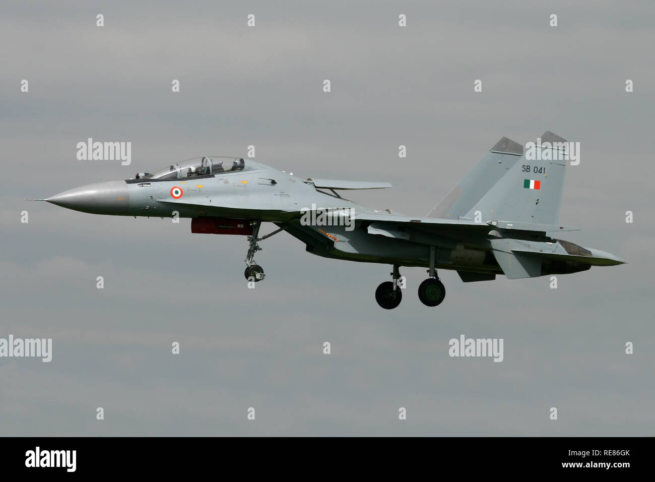 Indian Air Force Sukhoi Su-30 MKI on the approach at RAF Waddington during Exercise Indra Dhanush 07. The first deployment of the type to the UK. - Stock Image