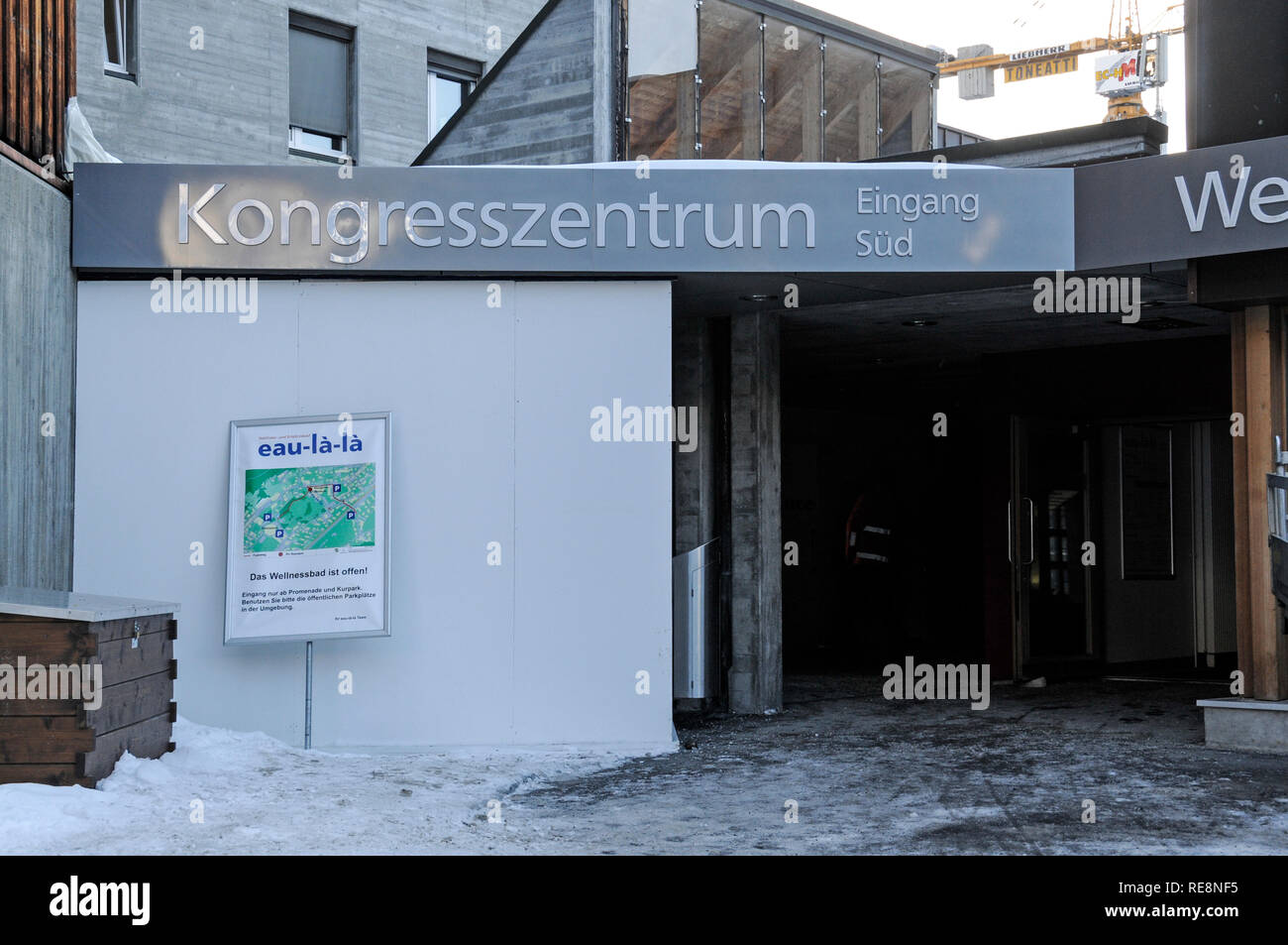 Main visitor's entrance at the Kongress Zentrum, (venue for the annual World Economic Forum), in the Promenade, Davos, Switzerland - Stock Image