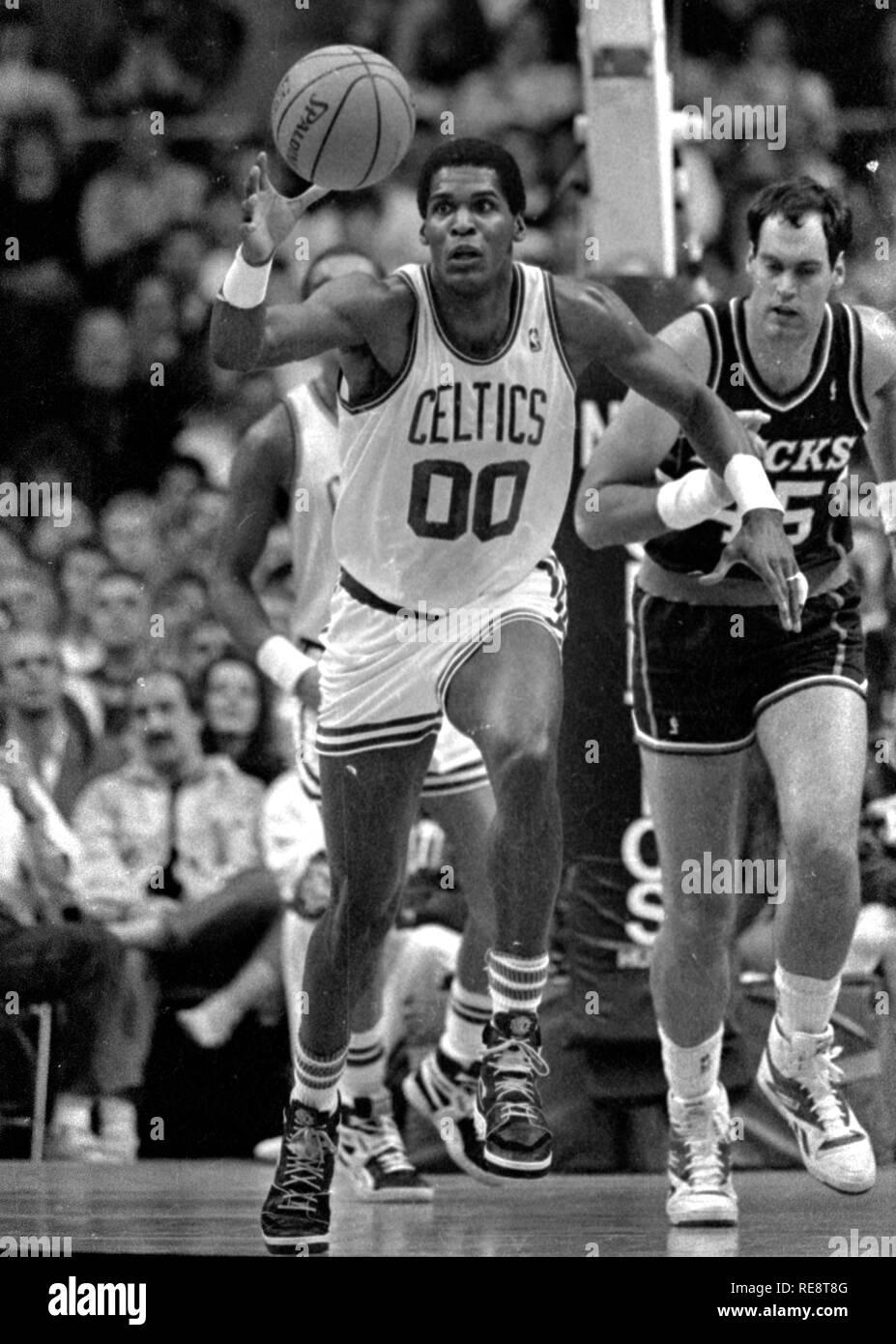 Game action Boston Celtics Robert Parish vs the Milwaukee Bucks at the Boston Garden in Boston Ma USA photo by bill belknap 1990's - Stock Image