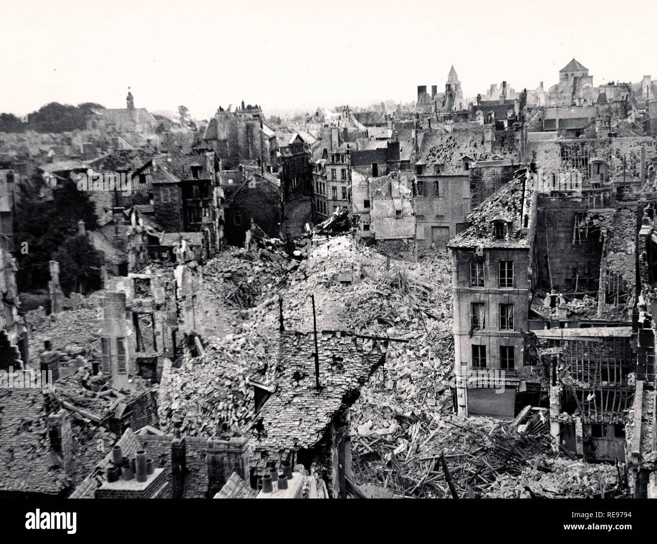 Vintage WW2 image of CAEN NORMANDY with widespread catastrophic distruction caused by Allied bombing of Caen (Normandy, France) in 1944 Operation Overlord 6th June-6th August Part of the Allied landings on the northern beach heads French coast 6th June 1944 D-Day - Stock Image