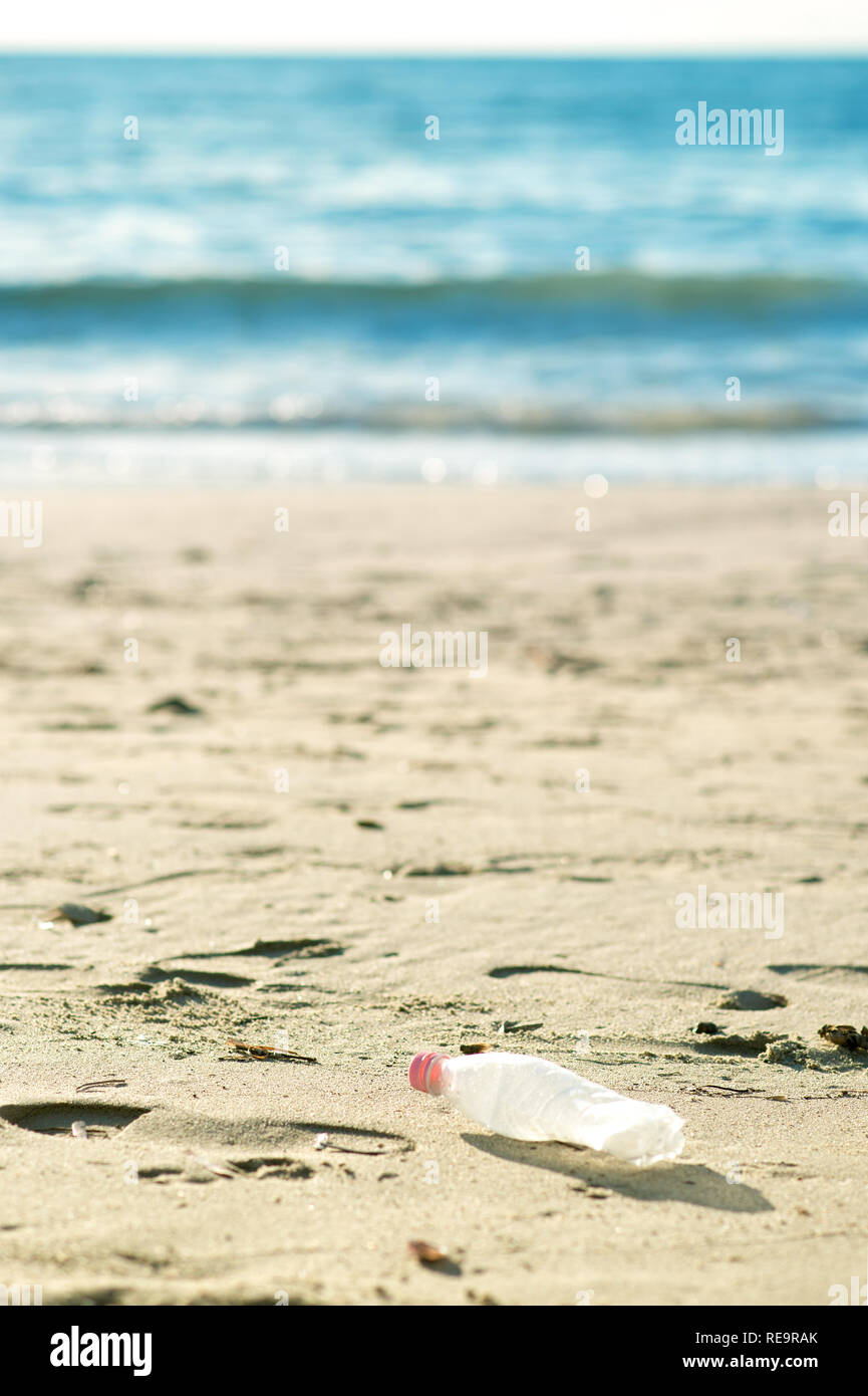 Pollutions and garbages on the beach - Stock Image