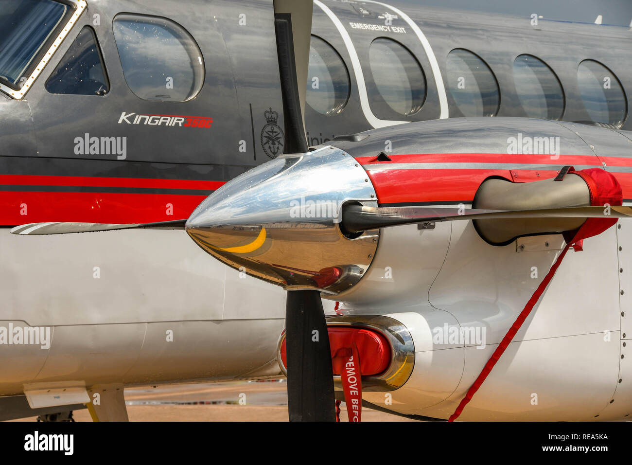 FAIRFORD, ENGLAND - JULY 2018: Close up view of the engine and propellor blades of a Raytheon Textron Aviaition King Air 350 turboprop aircraft - Stock Image