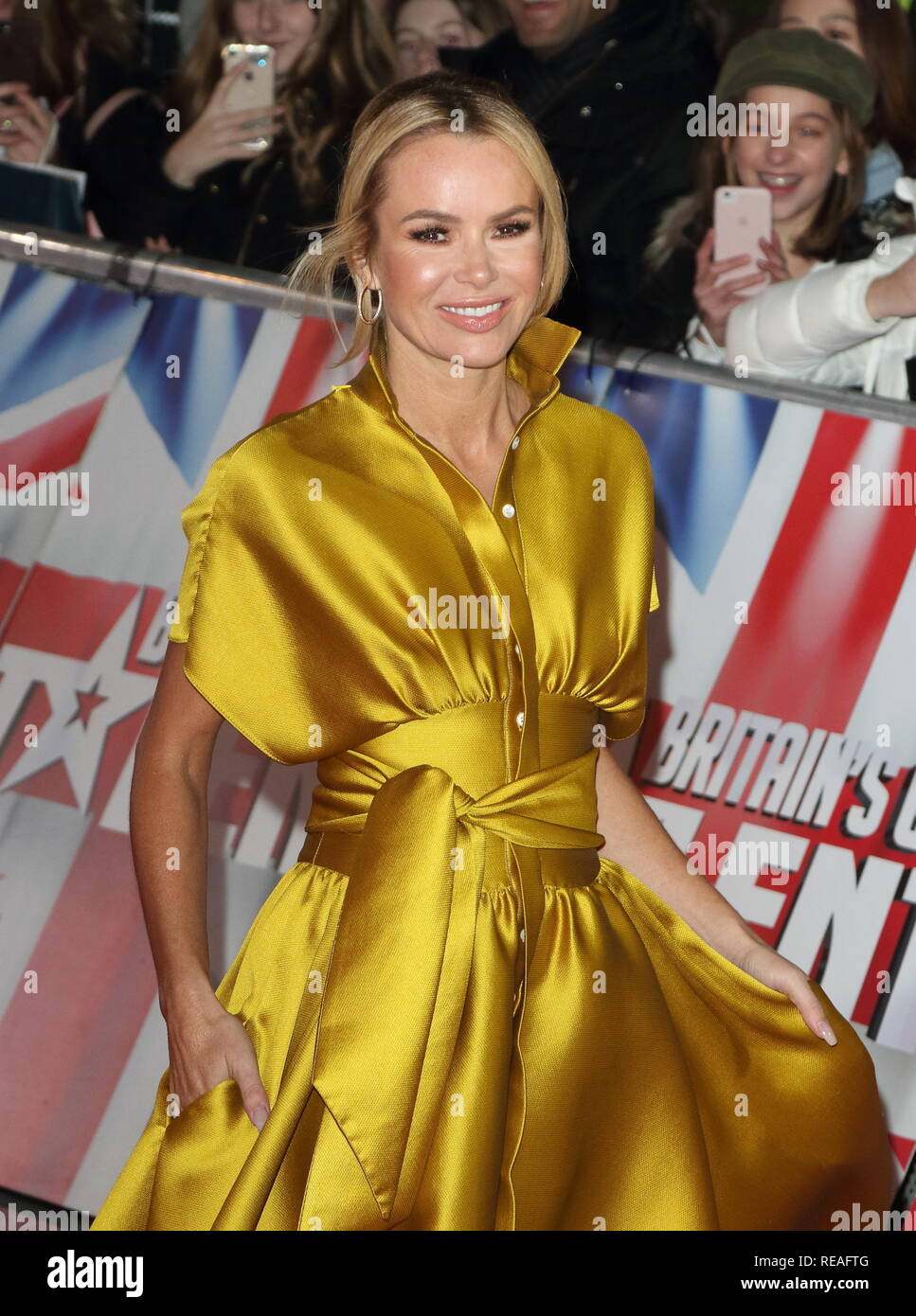 2019 Amanda Holden nude (13 photos), Tits, Cleavage, Twitter, cleavage 2018