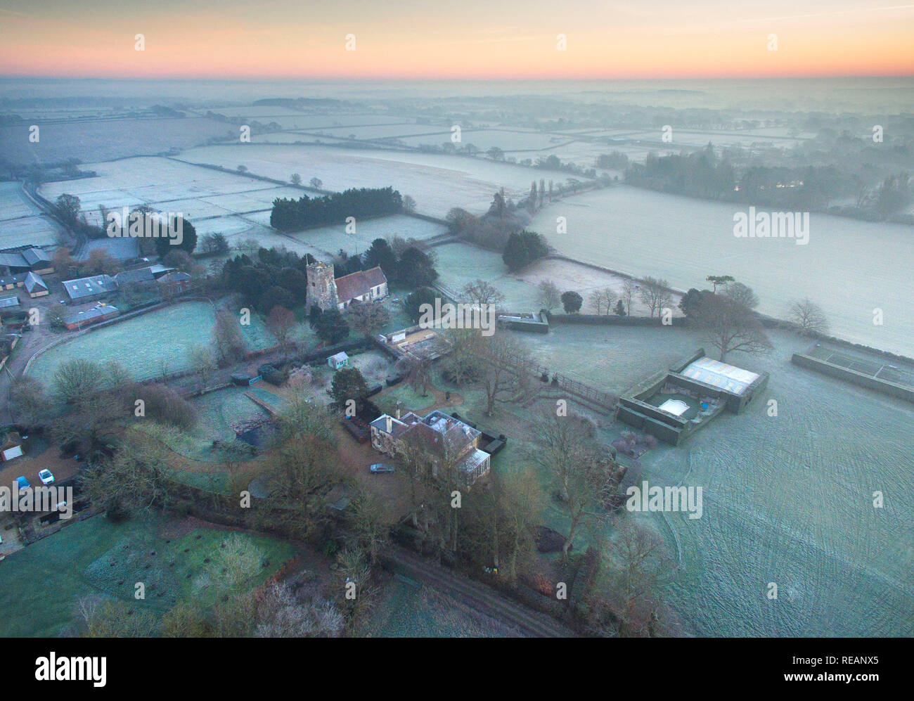 Ripe, East Sussex, UK. 21st January 2019. Very cold and frosty start to the day in Rural East Sussex afetr a claer and cloudless night. Credit: Peter Cripps/Alamy Live News - Stock Image