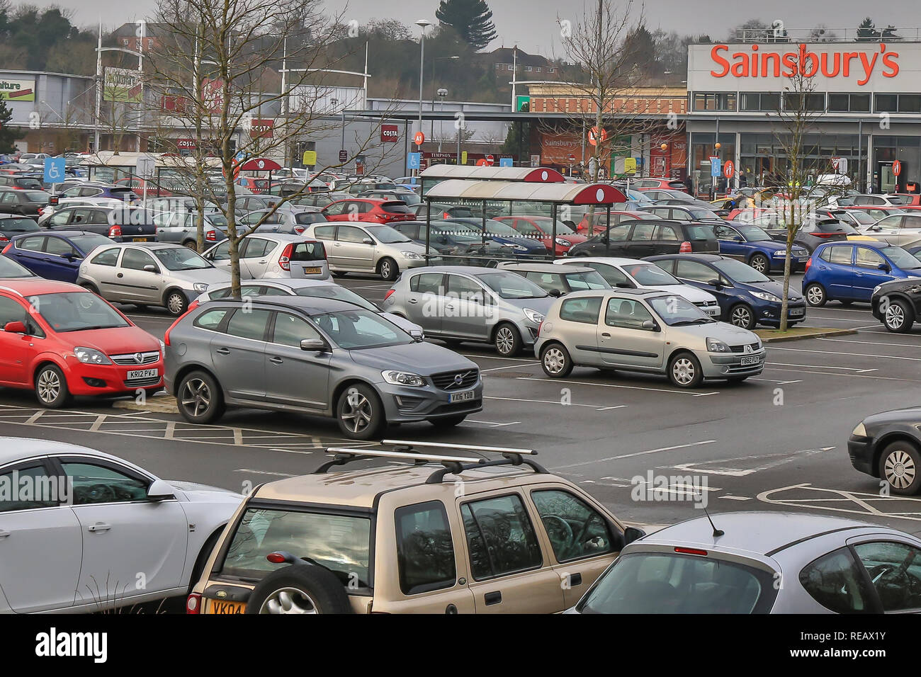 Kidderminster, UK, 21st January, 2019. it may be the third Monday in January, now known as Blue Monday, when spirits are low, credit card bills high, weather gloomy and all those new year resolutions failing fast, yet still the retail car parks are full of shoppers with seemingly endless amounts of money to spend. Credit: Lee Hudson/Alamy Live News Stock Photo