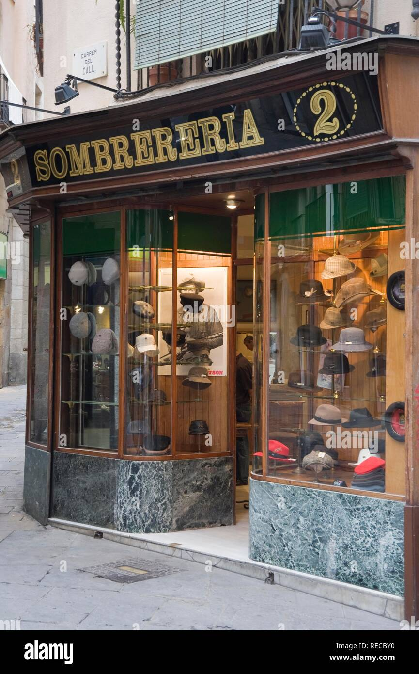 fa274966f Hat shop, Gothic district, Barcelona, Catalonia, Spain, Europe - Stock Image