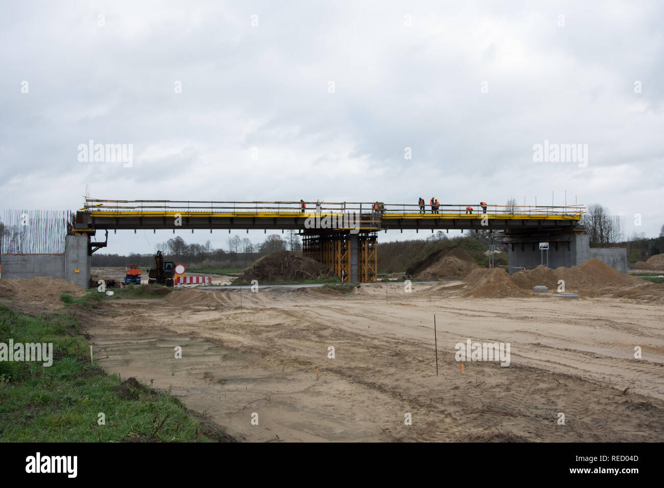 KOWALEWO, KUJAWSKO-POMORSKIE/POLAND, NOVEMBER 11, 2017 - S5 motorway construction site - viaduct with scaffolding and sand for substructure - Stock Image