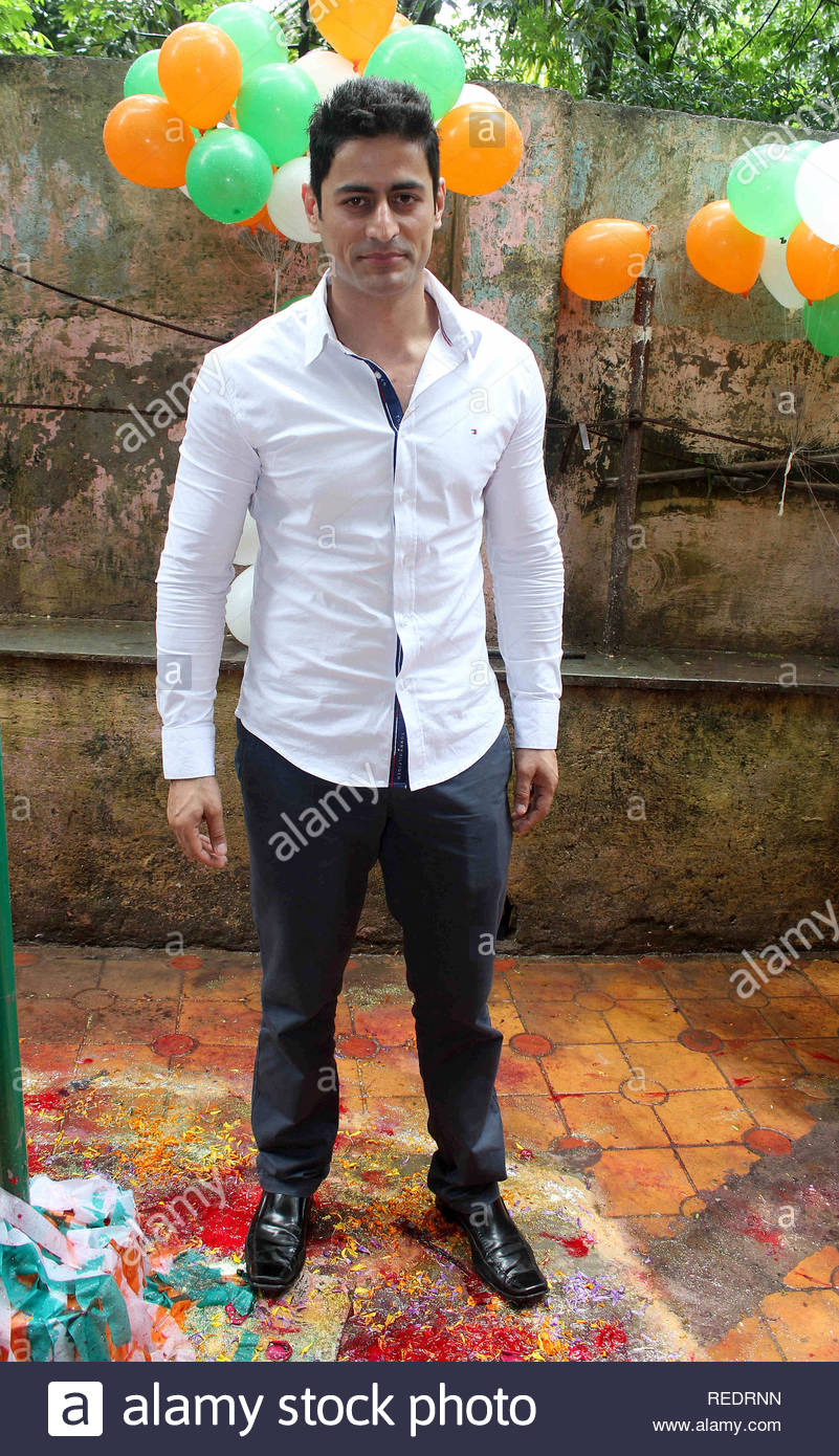 Television actor Mohit Raina during a cause to organzie