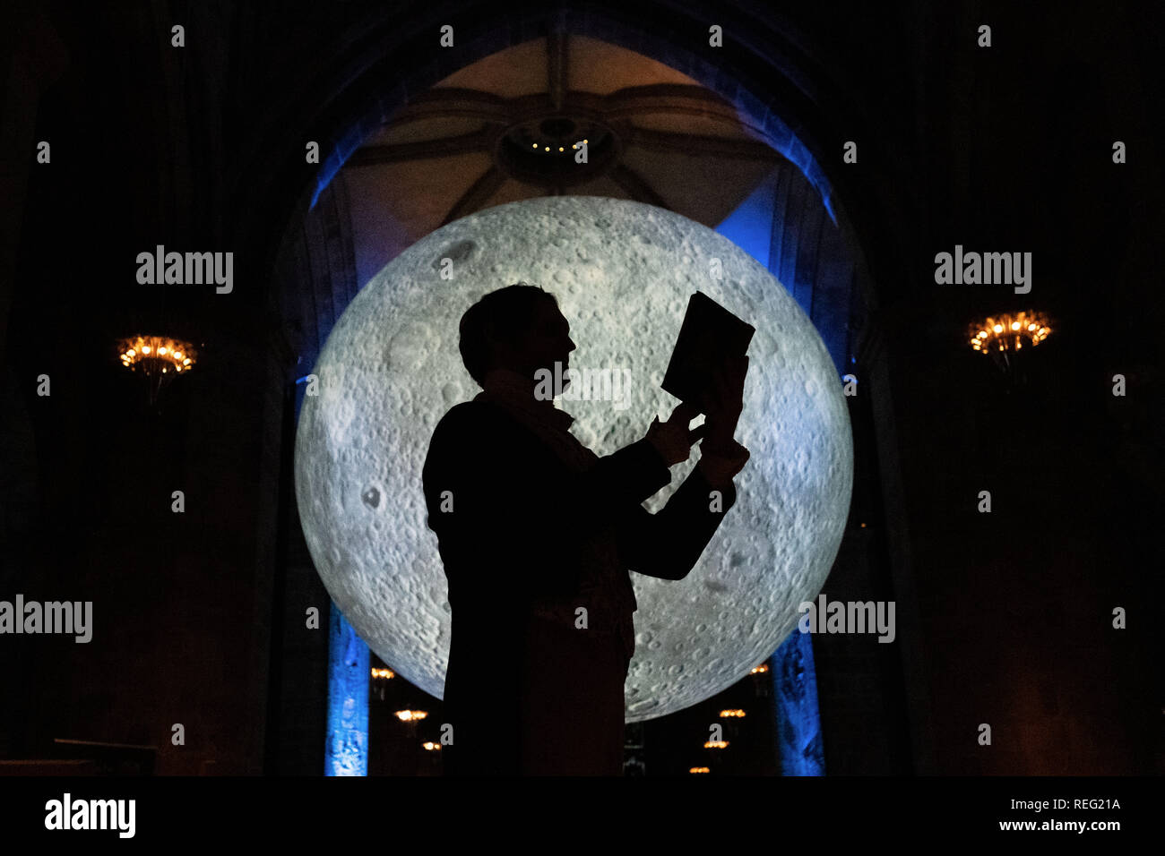 Edinburgh, Scotland, UK. 21st January 2019.  The new Burns and Beyond Festival is launched with the opening of Museum of the Moon at St Giles' Cathedral. Credit: Steven Scott Taylor/Alamy Live News - Stock Image