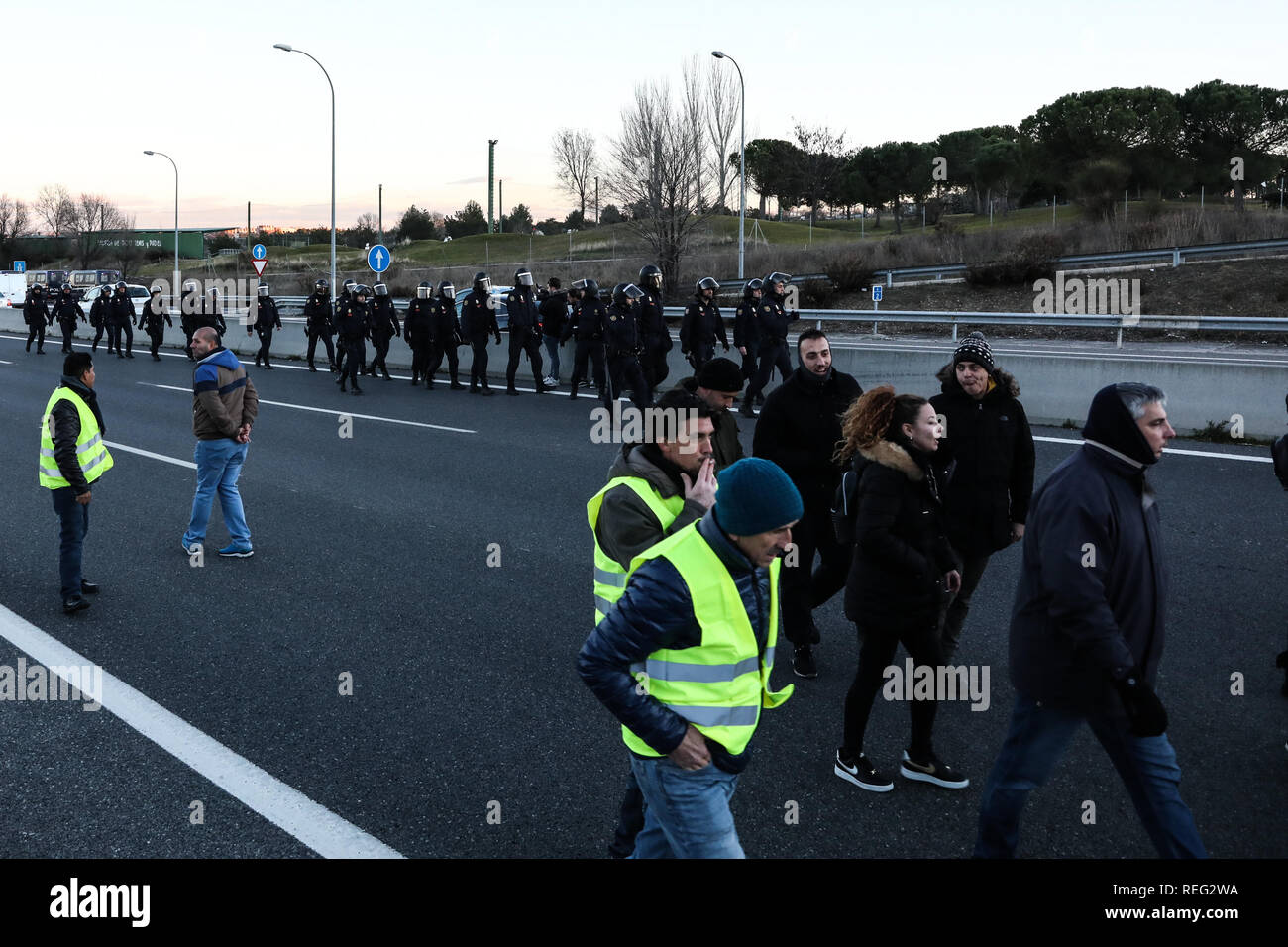 Madrid, Spain  21st Jan, 2019  The police try to get the