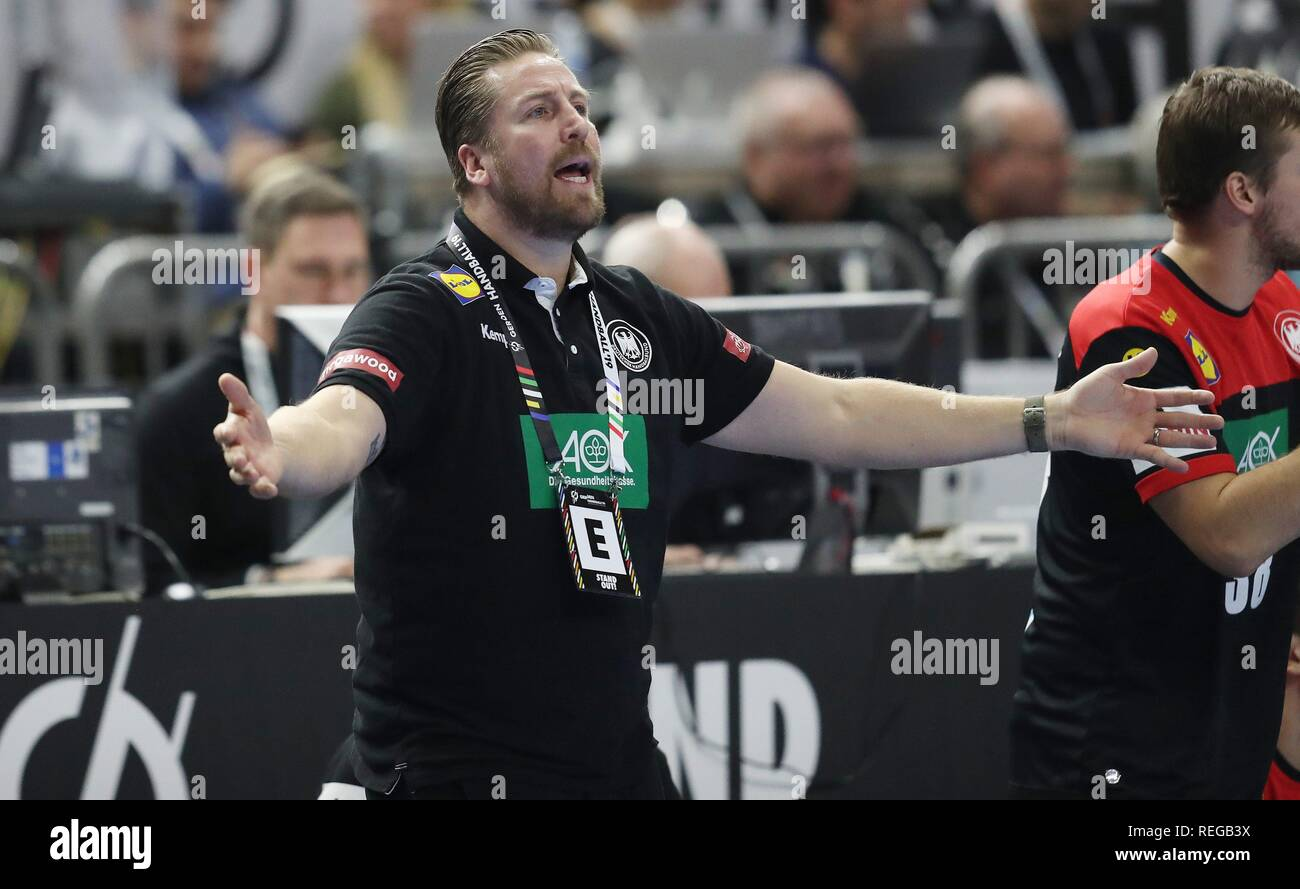 firo: 21.01.2019, Handball: World Cup World Cup Main Round Croatia Croatia - Germany 21:22 Teammanger Oliver Roggisch, GEstik   usage worldwide - Stock Image