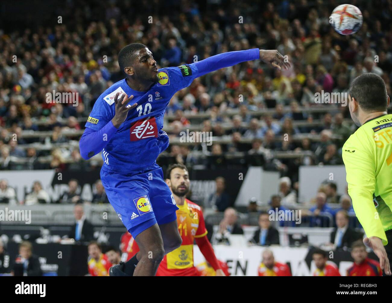 firo: 19.01.2019, Handball: World Cup World Cup Main Round France - Spain Single Action, Dika Mem, FRA   usage worldwide - Stock Image