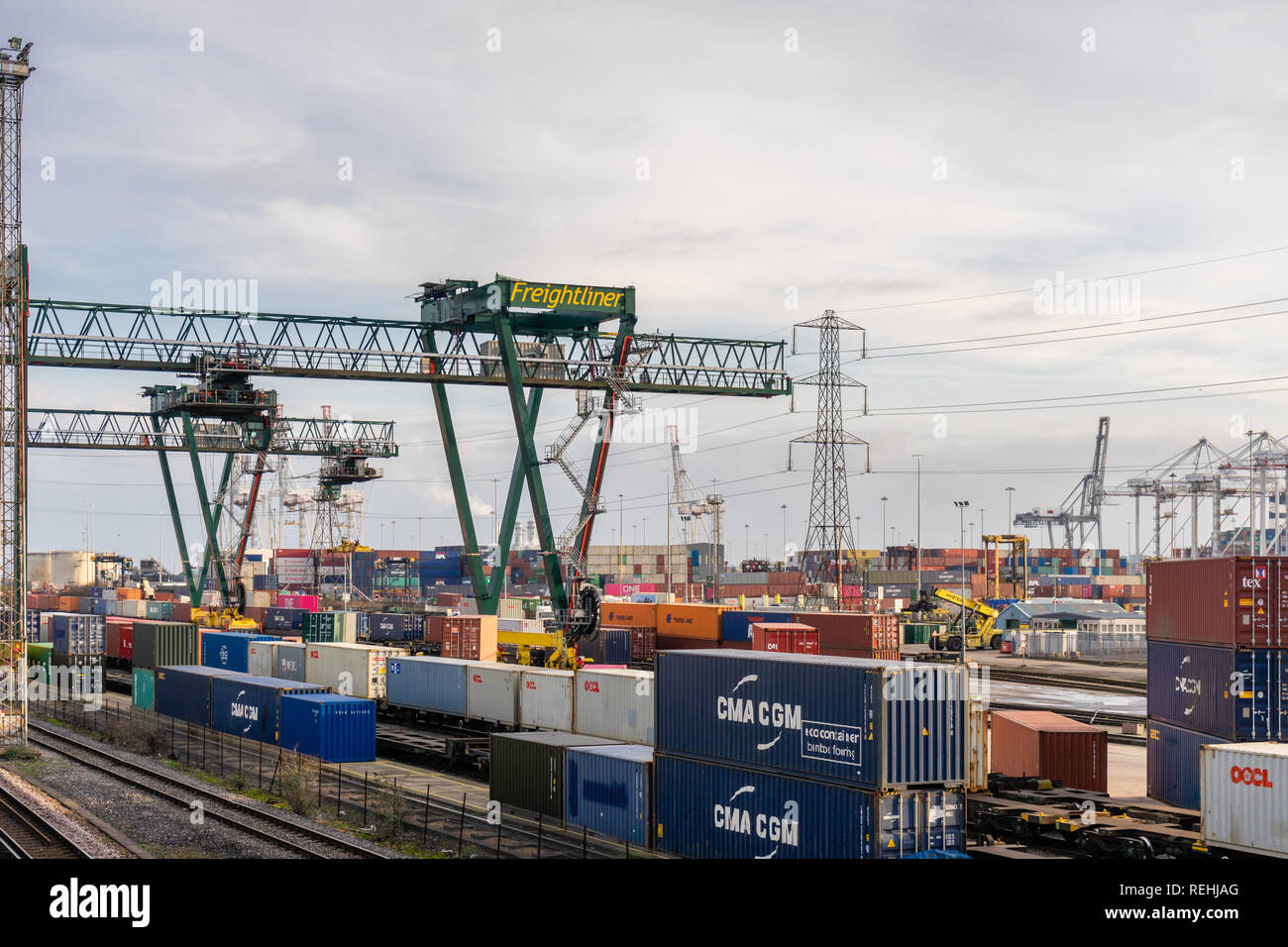 Freightliner Crane in the busy Port of Southampton at Dock Gate 20, Hampshire, Southampton Docks, England, UK - Stock Image