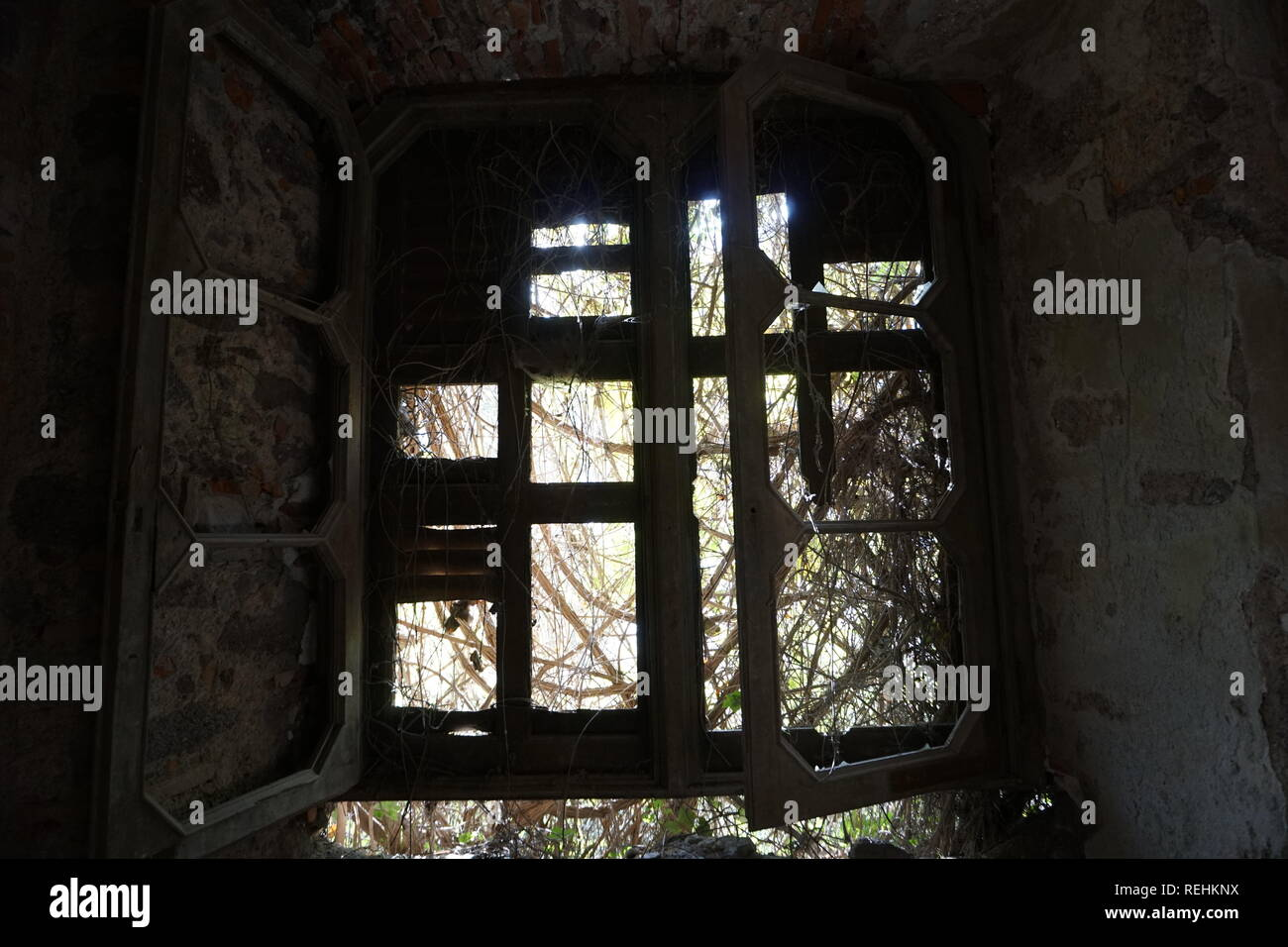 Photo of an old abandoned villa in Lecco, Italy - Stock Image