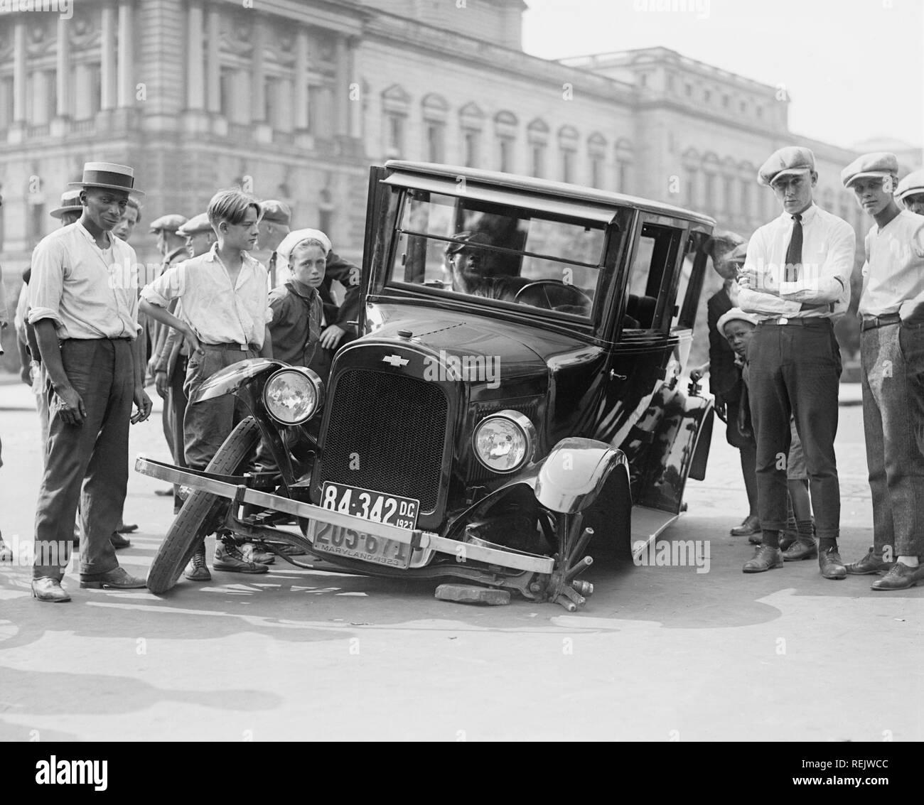 1920s Car Accident Stock Photos & 1920s Car Accident Stock