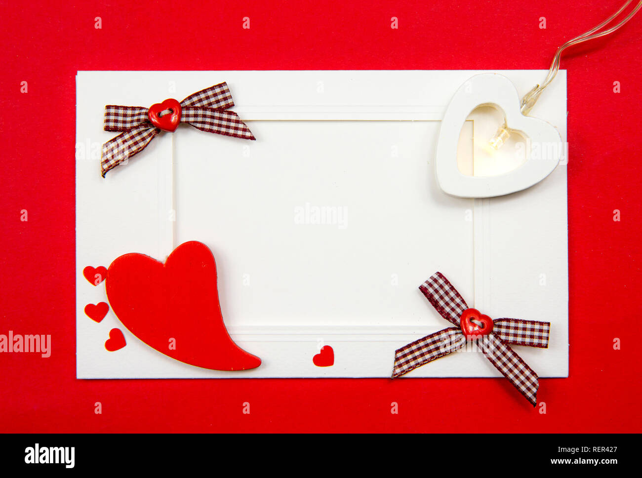Empty vintage red white style Valentine's Day postcard with blank copy space, fill in the text yourself. Commercial greetings card background. - Stock Image