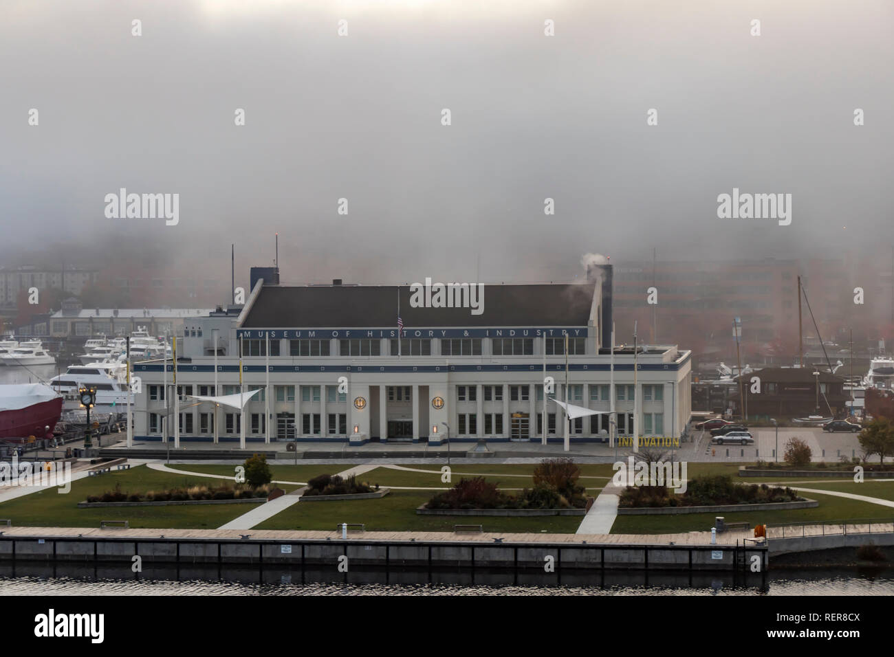 Seattle, Washington, USA - 27 October 2018. Lake Union and the Museum of History and Innovation on a misty autumn morning. - Stock Image
