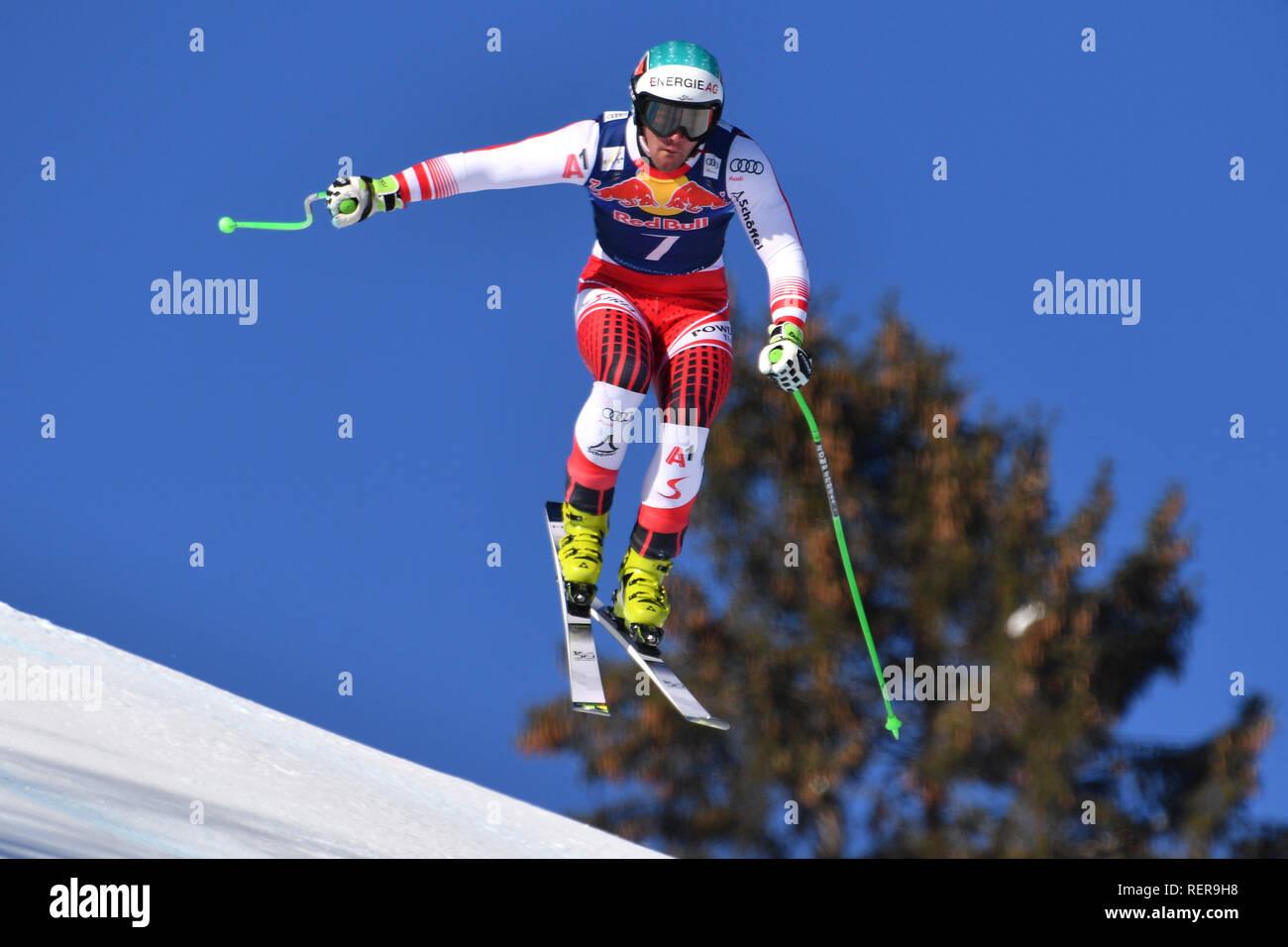 Vincent KRIECHMAYR (AUT). Action, jump. Alpine skiing, training 79th Hahnenkamm race 2019, Kitzbuehel, Hahnenkamm, Streif, departure, 22.01.2019. | usage worldwide - Stock Image