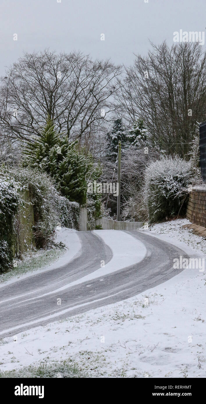 Magheralin, County Armagh, Northern, Ireland. 23rd Jan, 2019. Snow and ice made for tricky driving conditions off main roads. Credit: David Hunter/Alamy Live News - Stock Image