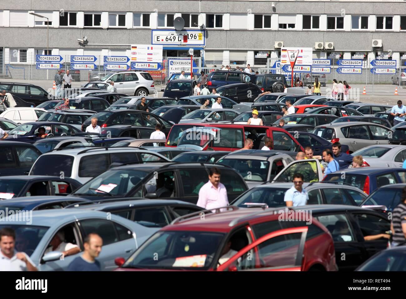 Second-hand cars, private weekly car mart, Essen-Bergeborbeck, North Rhine-Westphalia Stock Photo
