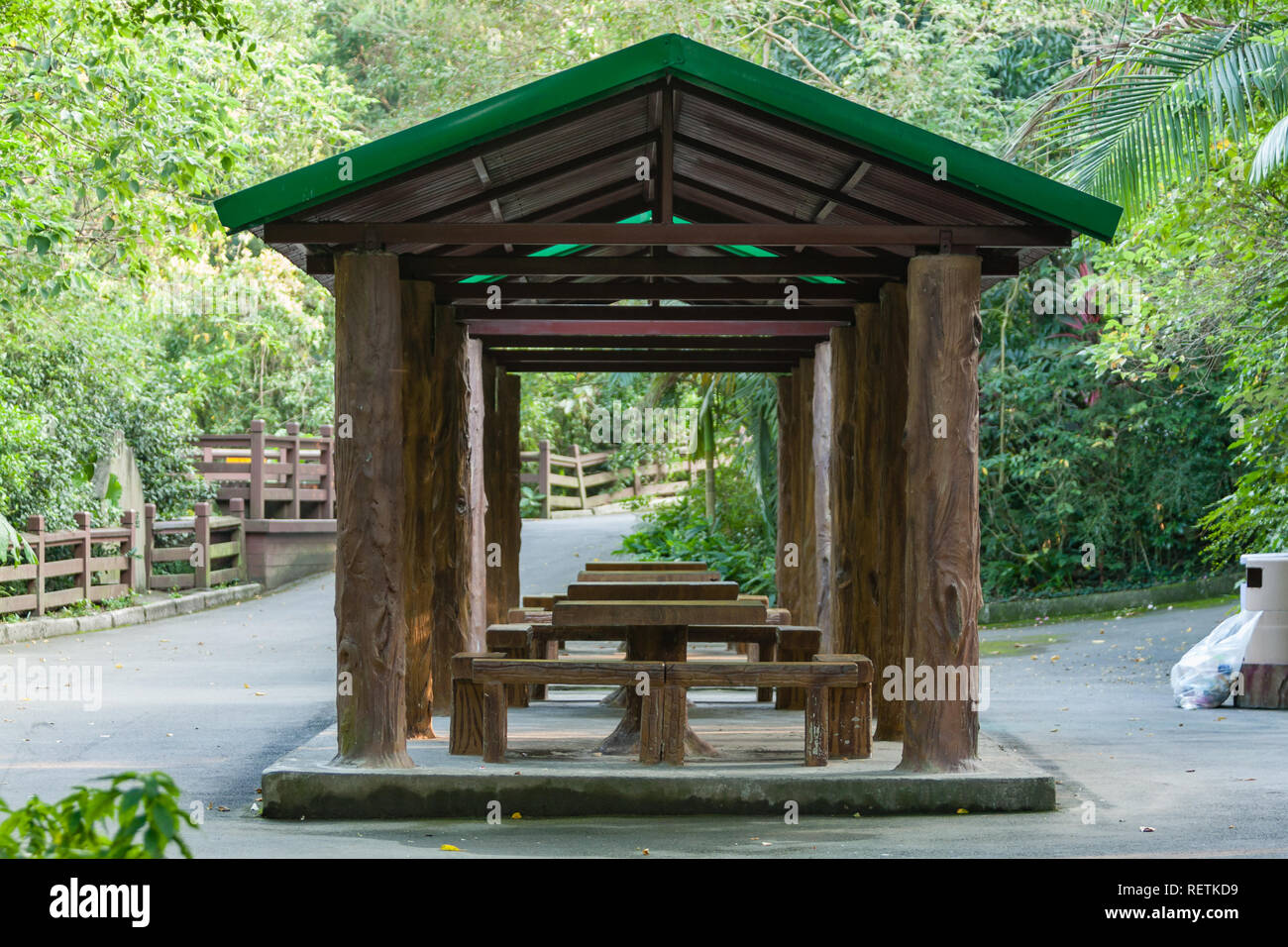 Amazing Gazebo With Wooden Benches And Tables Taipei Zoo A K A Ibusinesslaw Wood Chair Design Ideas Ibusinesslaworg