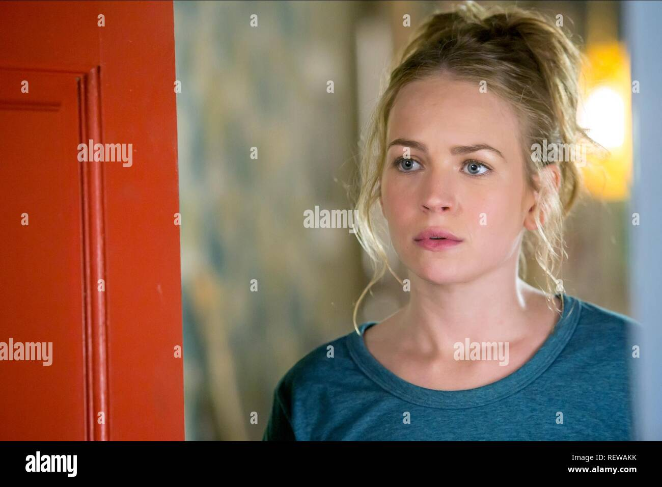 BRITT ROBERTSON MOTHER'S DAY (2016) - Stock Image