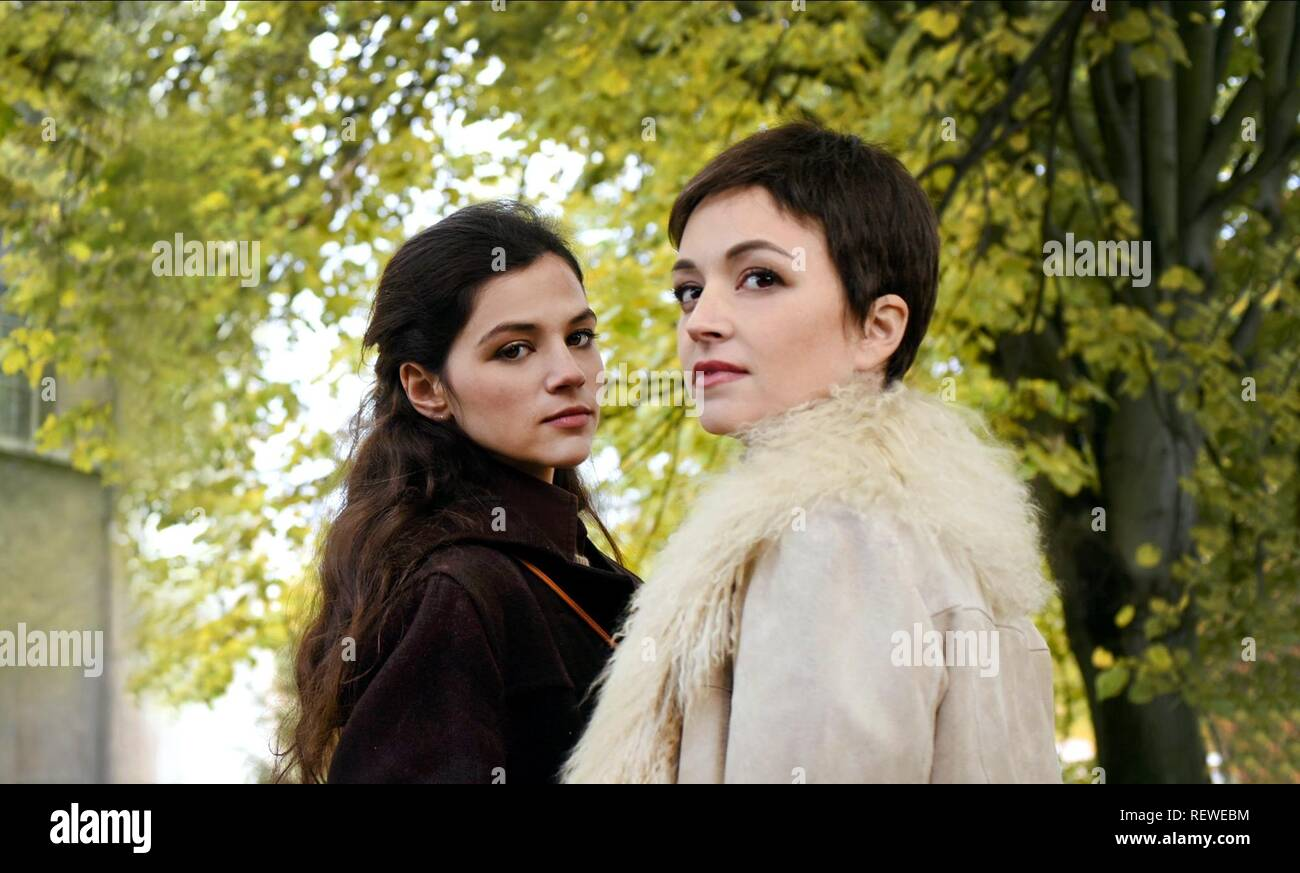 JOY RIEGER & NELLY TAGAR PAST LIFE (2016) - Stock Image