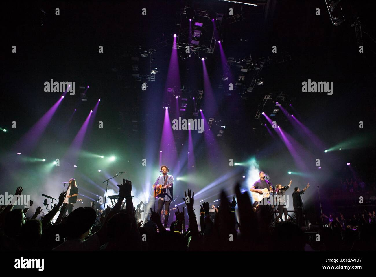 Hillsong Stock Photos & Hillsong Stock Images - Alamy