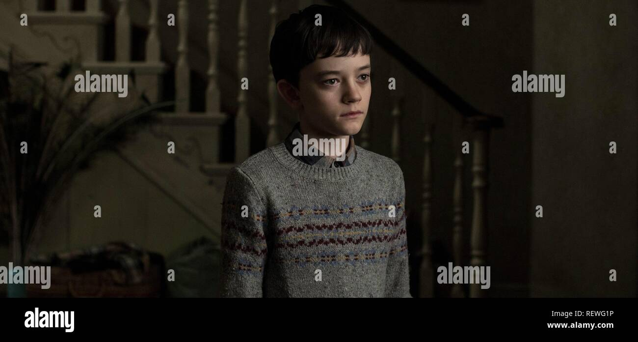 LEWIS MACDOUGALL A MONSTER CALLS (2016) - Stock Image