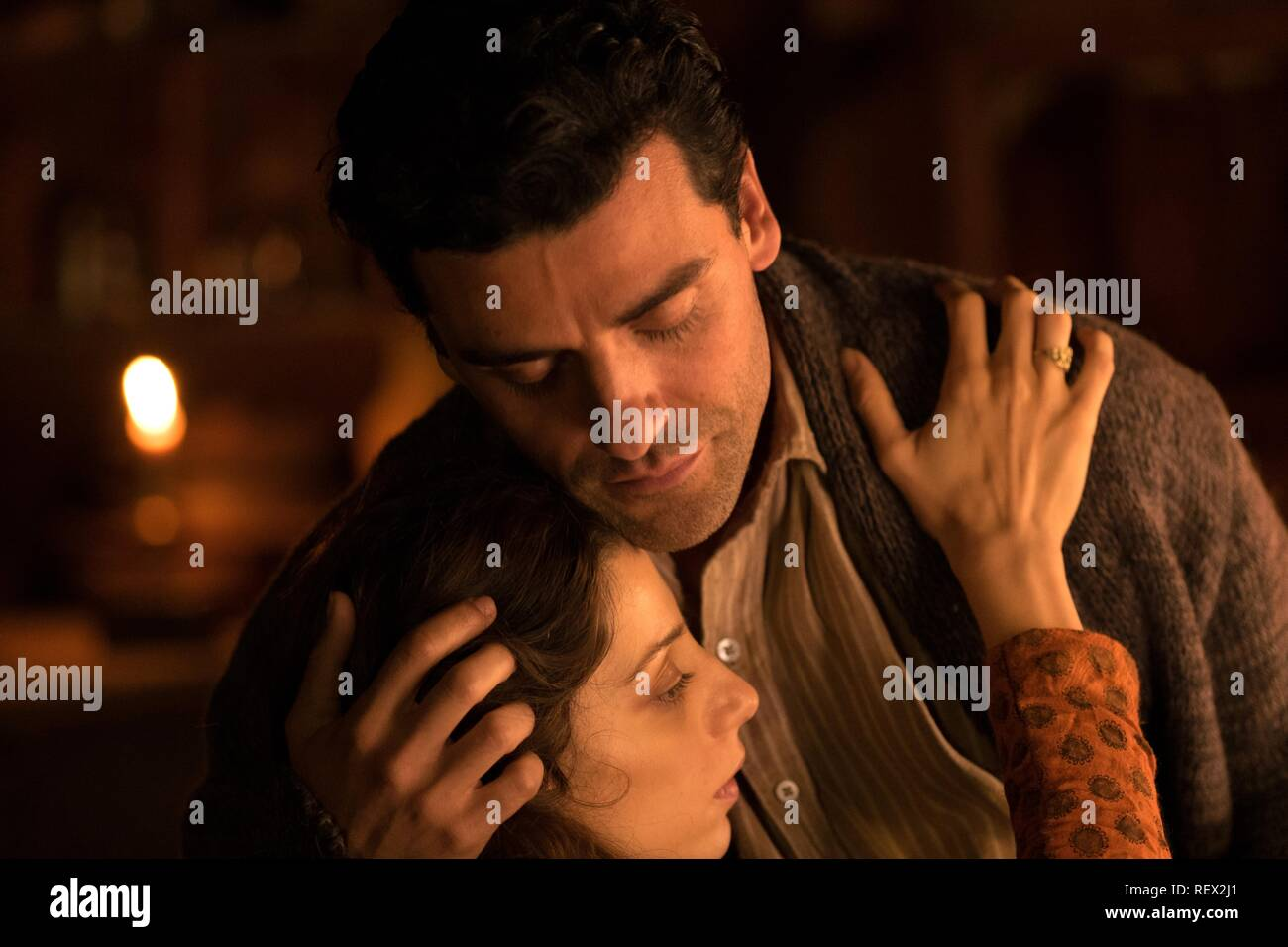 OSCAR ISAAC & ANGELA SARAFYAN THE PROMISE (2016) - Stock Image