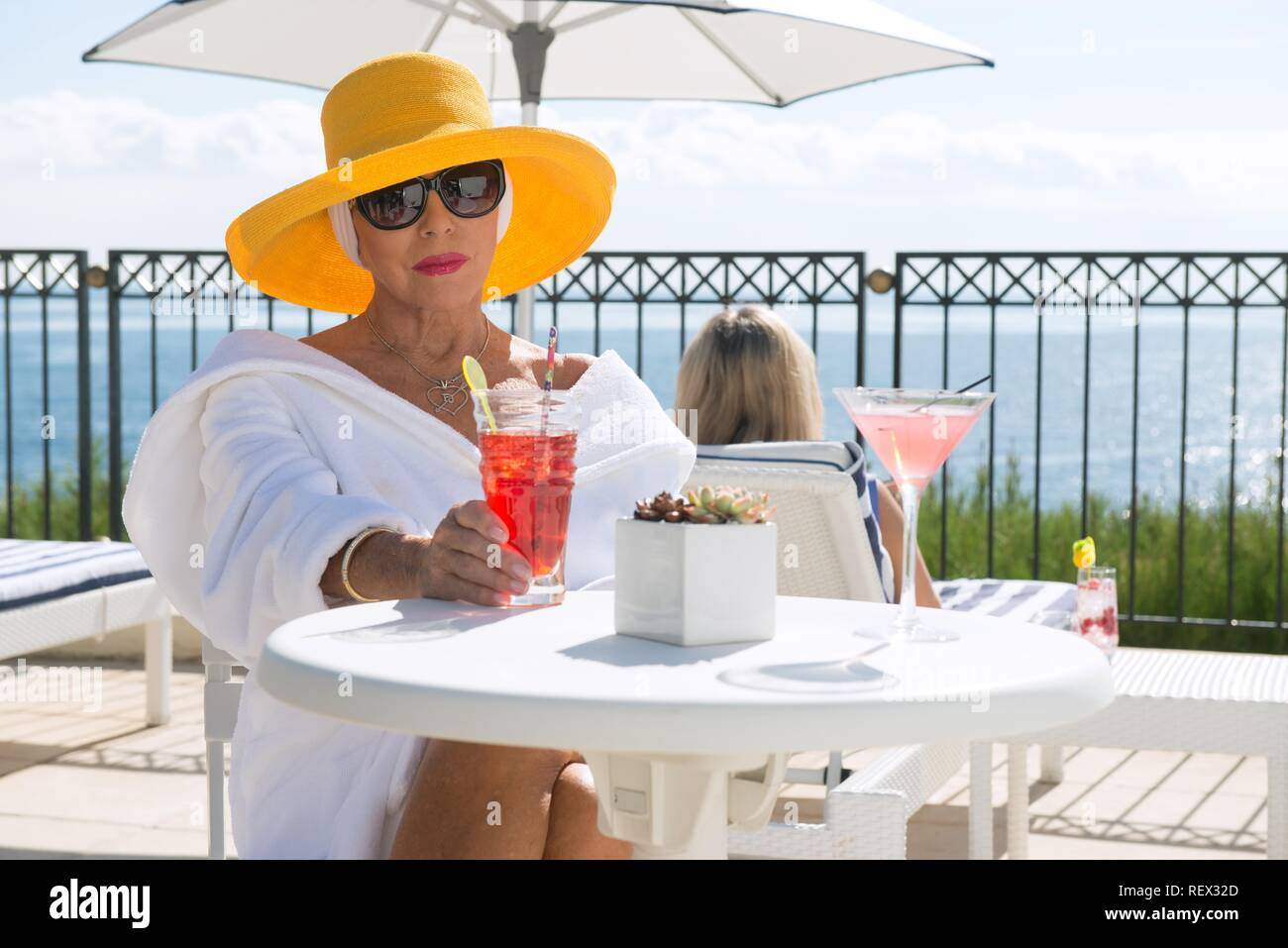 JOAN COLLINS ABSOLUTELY FABULOUS: THE MOVIE (2016) - Stock Image