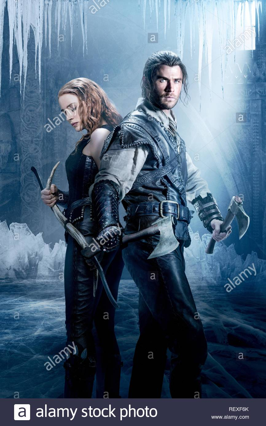 Jessica Chastain & Chris Hemsworth Film: The Huntsman: Winter'S War (USA 2016)  Character(s): Sara, The Huntsman  Director: Cedric Nicolas-Troyan 29 March 2016  SAP61428 Allstar Picture Library/UNIVERSAL PICTURES  **Warning**  This Photograph is for editorial use only and is the copyright of UNIVERSAL PICTURES  and/or the Photographer assigned by the Film or Production Company & can only be reproduced by publications in conjunction with the promotion of the above Film. A Mandatory Credit To UNIVERSAL PICTURES is required. The Photographer should also be credited when known. No commercial use c - Stock Image