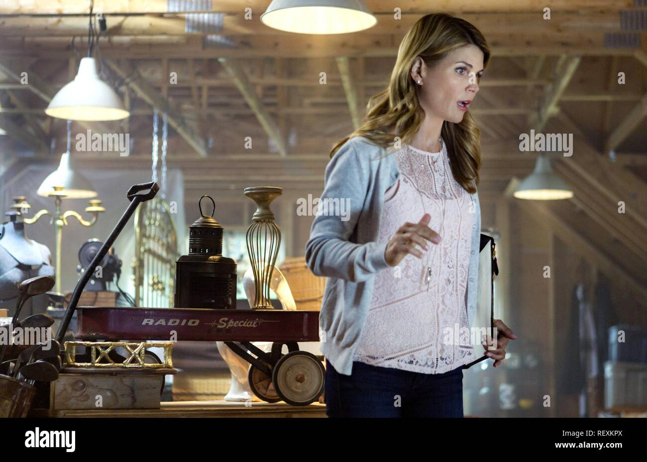 Garage Sale Mystery The Beach lori loughlin stock photos & lori loughlin stock images - alamy
