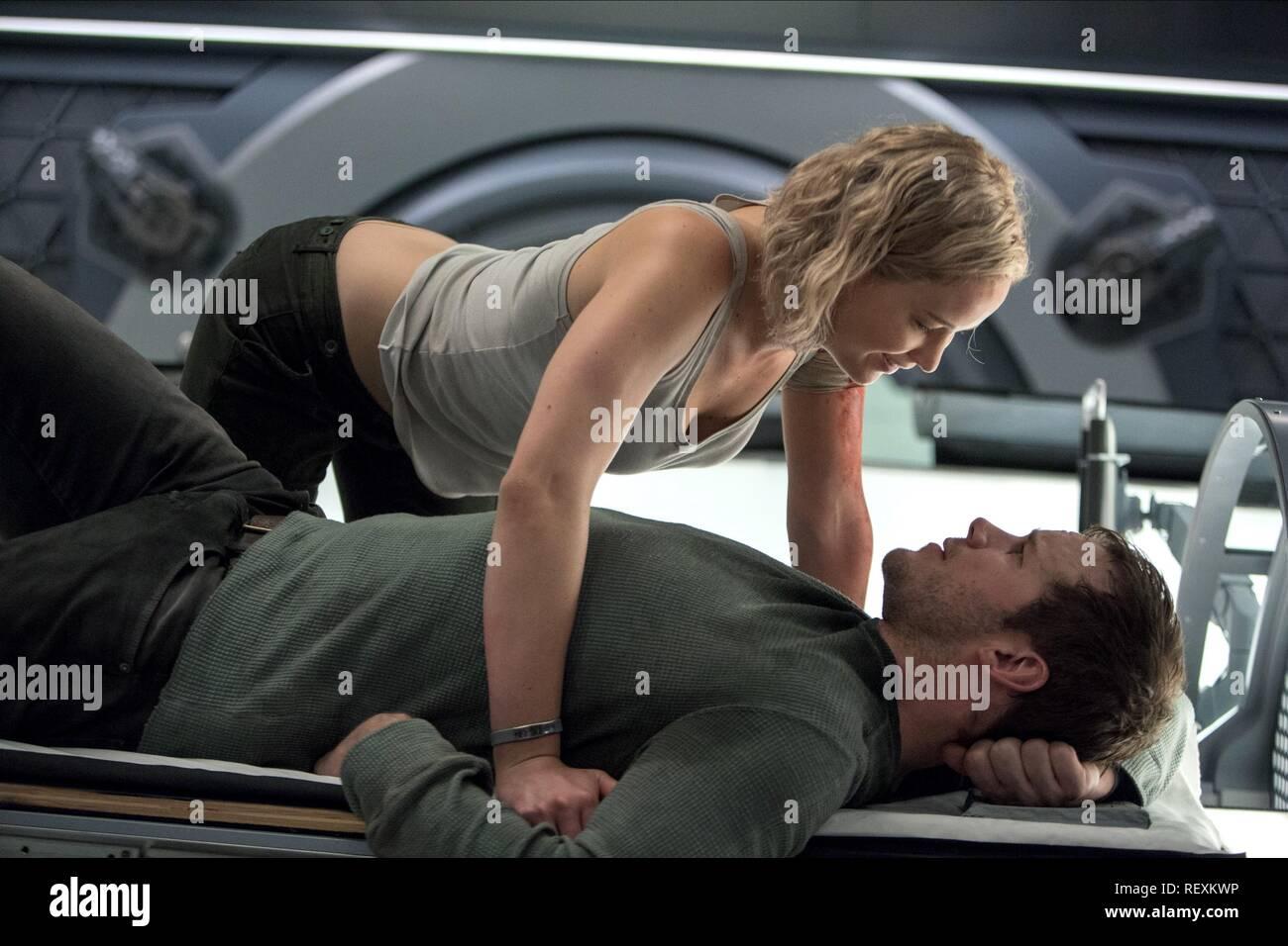 Jennifer Lawrence & Chris Pratt Film: Passengers (USA 2016