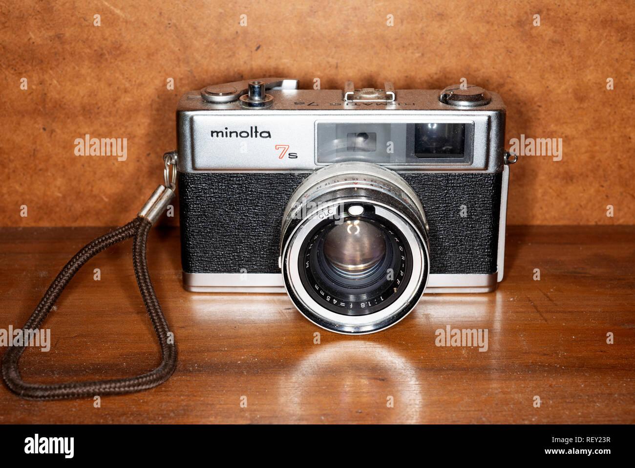 Minolta 7s 35mm rangefinder camera - Stock Image